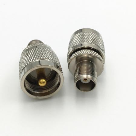 UHF/m  - TNC/f