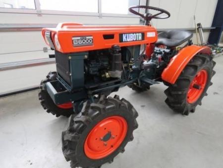 Kubota B6000